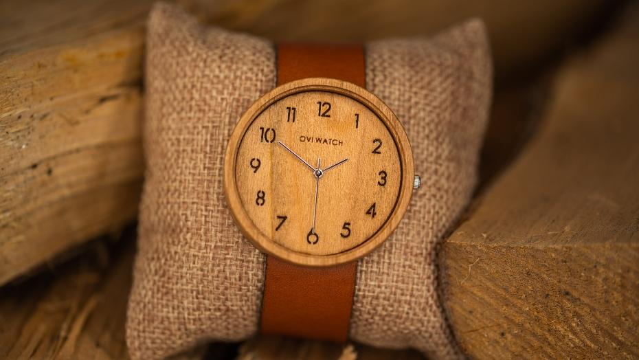 pulkstenis dāvana vīrietim